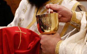 Η Θεία Κοινωνία ξανά στο στόχαστρο! Ο Χριστός ως κοινός εχθρός δεξιάς και αριστεράς και τα ...non papers! (30-08)