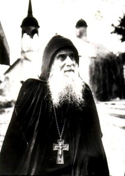 Οι οπαδοί του Αντιχρίστου θα κάνουν το σταυρό τους, θα μπαίνουν στις εκκλησίες, θα κηρύττουν τις εντολές του Ευαγγελίου.